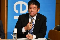 仲川げん氏(奈良県奈良市長)