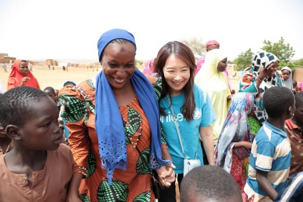 傷ついた女の子たちに寄り添い、社会の中で自立していけるよう支える女性活動家のサフィアさん