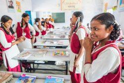ライフスキル教育プログラムに参加するインドの女の子たち。(2018年6月撮影)